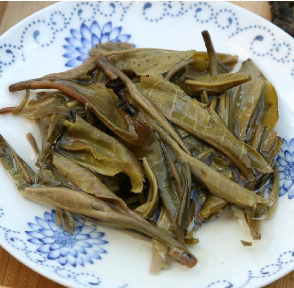 2006year Yunnan Puer Tea Brick Wild Tea Raw Puer Green Tea Flavorful Finish 50g