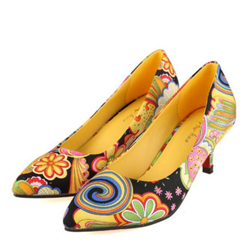 Women Ethnic Pointed Closed Toe Red Bottom Sole Floral Print Medium Heel Designer Yellow Shoes Woman 2015 scarpe scollate 1(China (Mainland))