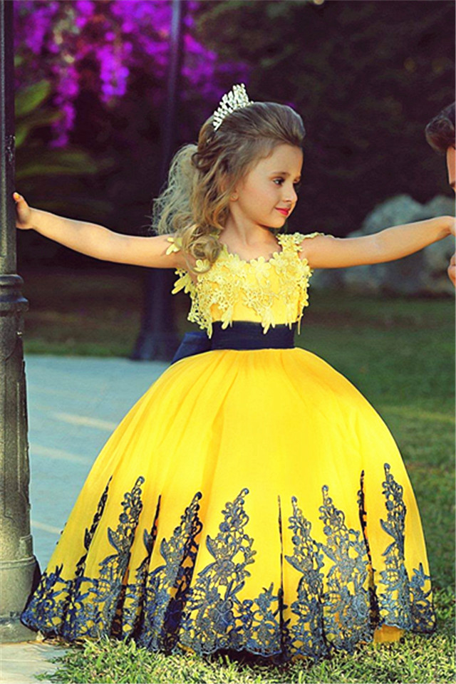 Фотография Pageant Dress Little Princess Glitz Ball Gown Lace Yellow Ball Gown Cute Flower Girl Dress 2015 with Black Sash