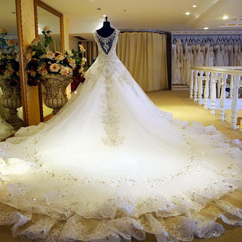 Long wedding gowns train – Wedding traditions blog