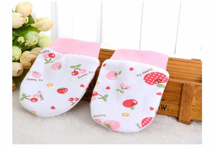 New Spring Autumn Baby Anti-grasping Face Children Protect Anti-Catch Gloves Neonatal Cotton Cartoon  Mittens Free Shipping