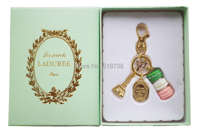2015 New Macaroon keychain with W letter-gift box.jpg