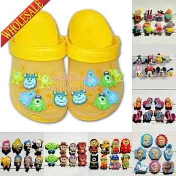 Novelty High Quality 6-8PCS PVC Shoe Charms Cartoon Shoe Buckles Accessories Fit Bands Bracelets Croc JIBZ,Kids Party Gift/Favor