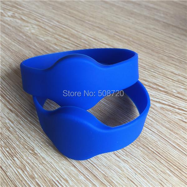 5pcs rfid wristband 125khz em4100 smart bracelet for access control system(China (Mainland))