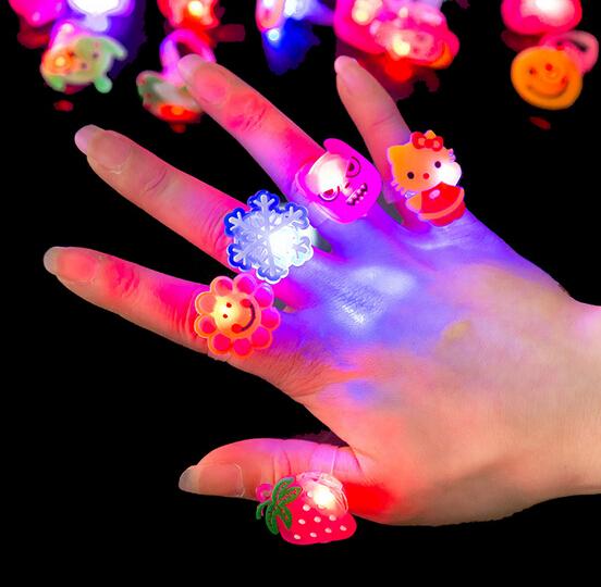 100pcs/lot Random Kids Toy Led LED Flashing Light Ring Blinking Party Soft Rave Glow Jelly Finger Rings(China (Mainland))