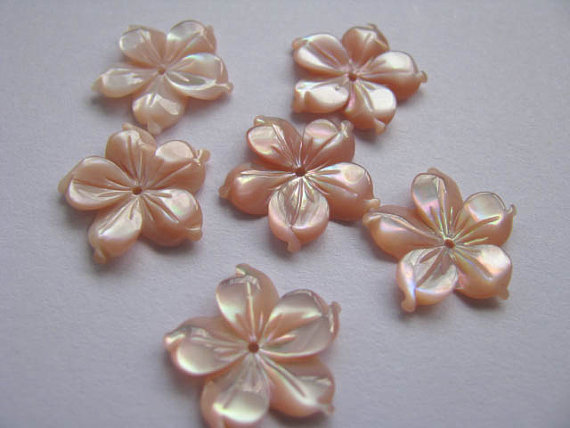 high quality MOP shell mother of pearl florial flowers petal pink red cabochons beads 15mm 50pcs<br><br>Aliexpress