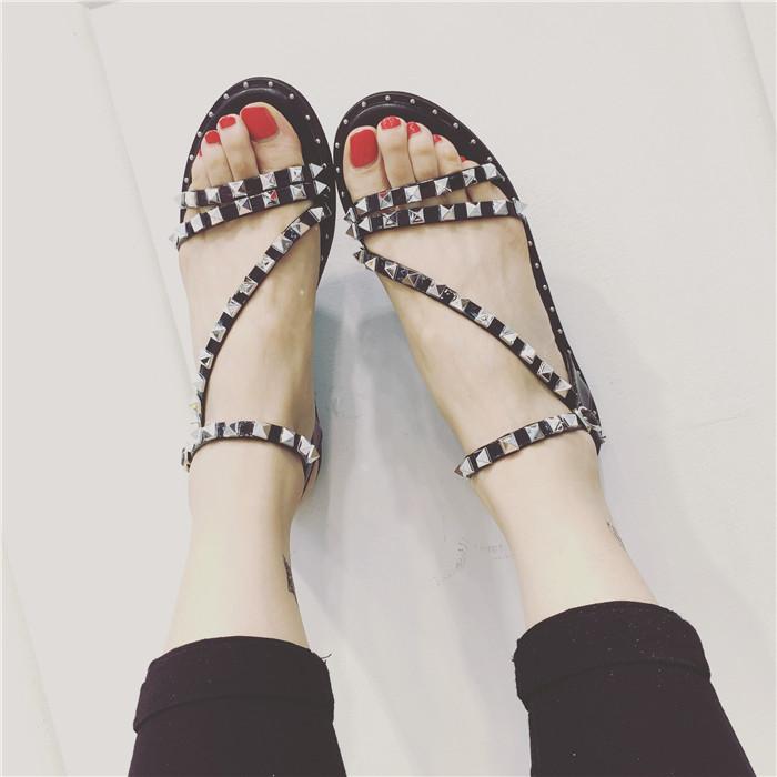 Women Sandals 2016 Hot Gladiator Style Open Toe Rivets Flats Brand New Summer Shoes Woman sapato feminino Size35-39 freeshipping(China (Mainland))