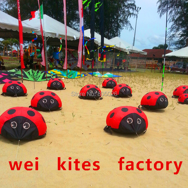 Free shipping high quality creepy soft ladybug kite can walking outdoor toys kite factory model aircraft assembly wei(China (Mainland))
