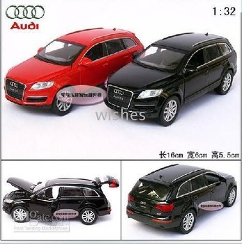 010725! 2pieces/lot,Audi Q7 ultra cool acousto-optics quarto gate alloy model of motor car,size:1:32