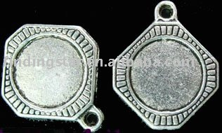 FREE SHIPPING 60pcs Tibetan silver square picture frame drops A901(China (Mainland))
