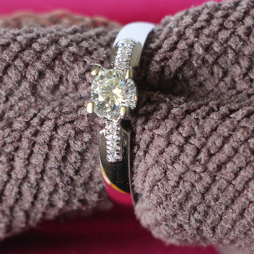 2015 New 925 Silver Ring 4 Prongs Oxhead Style Retro Jewelry Affordable 0.5CT Synthetic Diamond Engagement Ring Platinum Plated(China (Mainland))