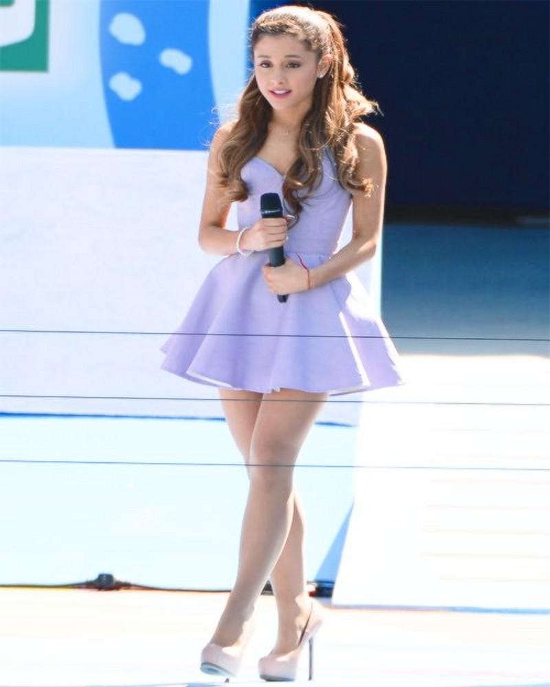 Ariana Grande Dress Reviews