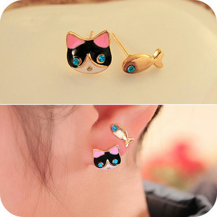 Cute and lovely Rhinrstone cat and fish no pierced earrings painless ear clips for girls(China (Mainland))