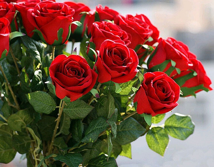 10PCS LOT Romantic Artificial Simulation Fake Silk Red Rose Flowers For Valentine Day Festival Home Party