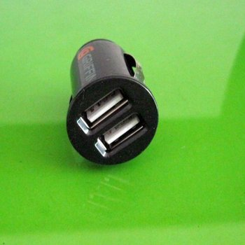 Free Shipping Mini Dual 2 Port USB Car Charger For iPhone 4G 3G 3GS ipod Black