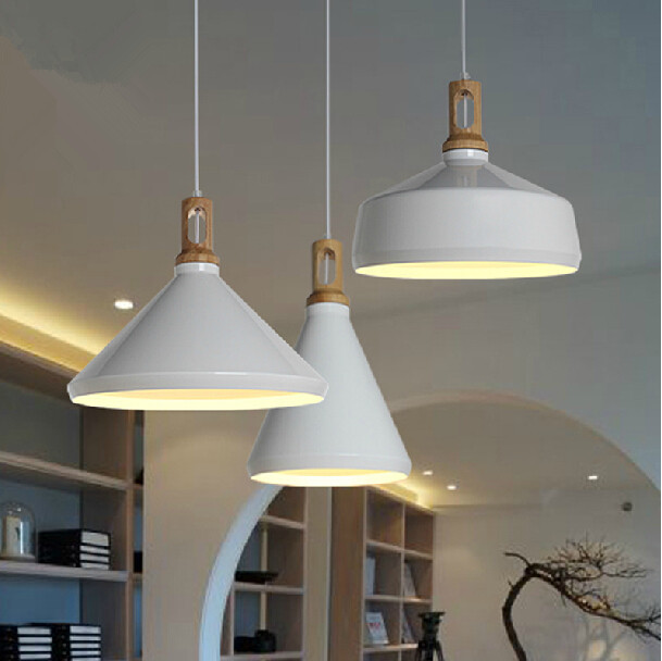 Modern pendant light wood and aluminum lamp black white for Suspension bois et blanc