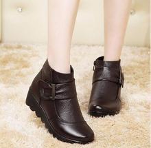 2016 cargadores de la Nieve zapatos de mujer de cuero genuino botas de invierno gran patio mujeres calientes botas de felpa zapatos de invierno de Gran Tamaño 35-41(China (Mainland))