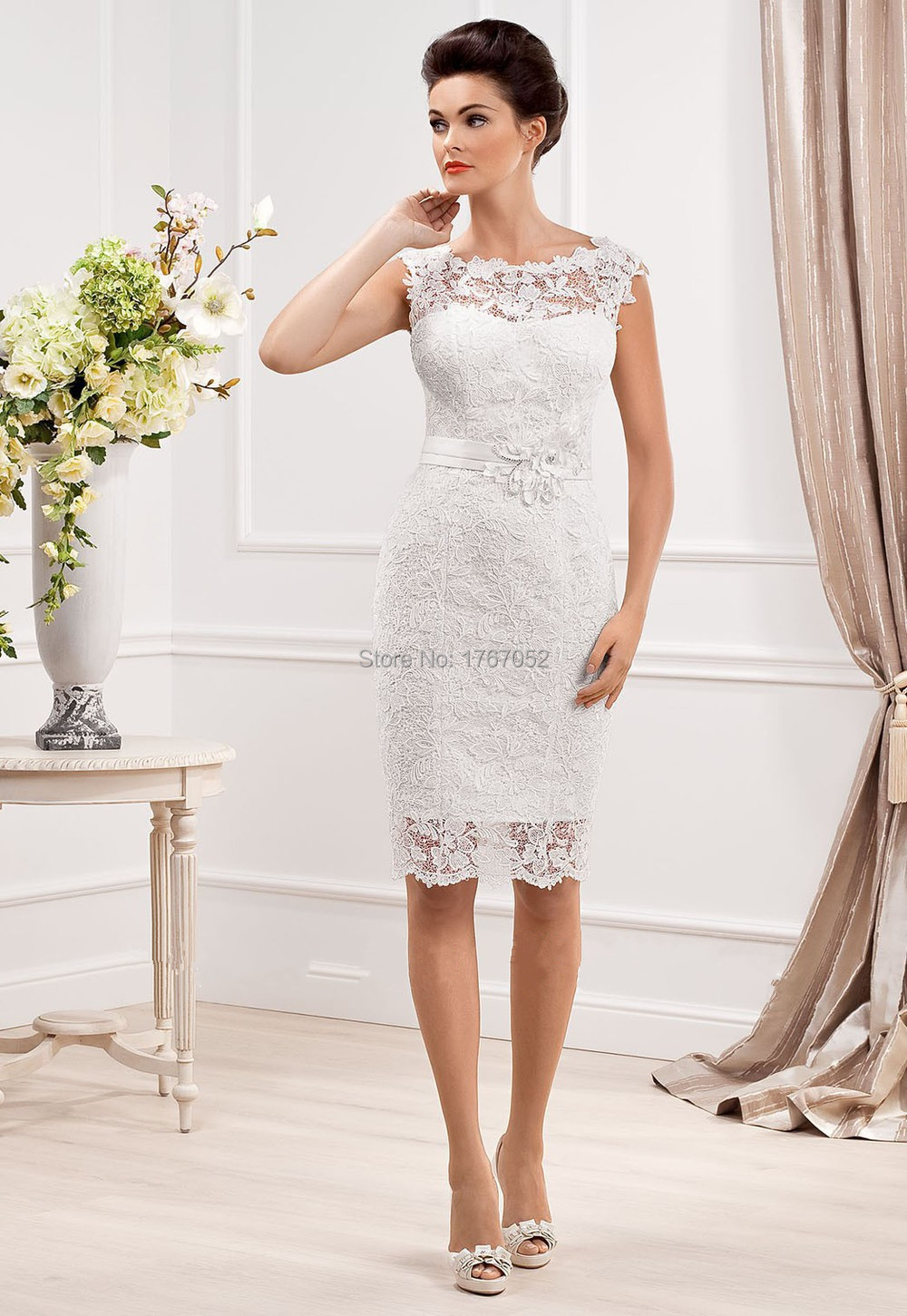 New designer elegant scoop neckline sheath lace short for Wedding dress for a short bride