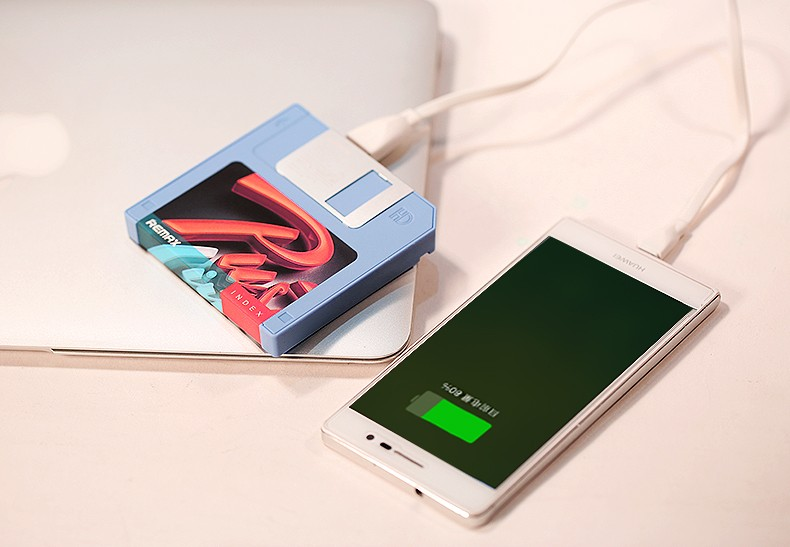 Mobile phone power bank Floppy Disk Design mobile power gift 5000 mobile phone general charge treasure