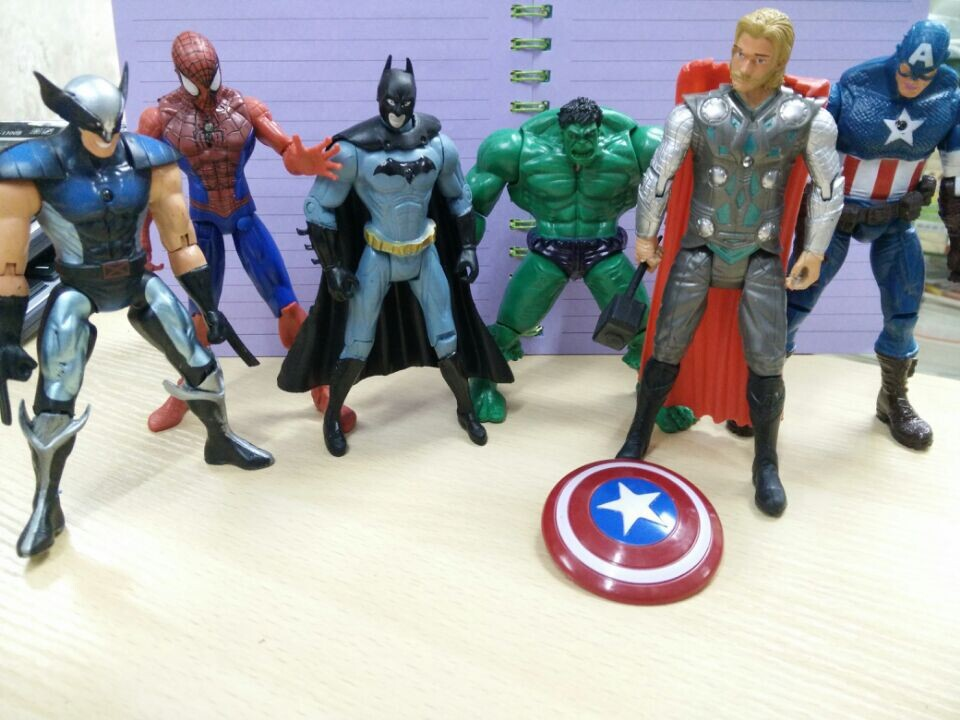 Free Shipping One Piece Anime Figures The avengers alliance model toys Can light PVC 15cm(China (Mainland))