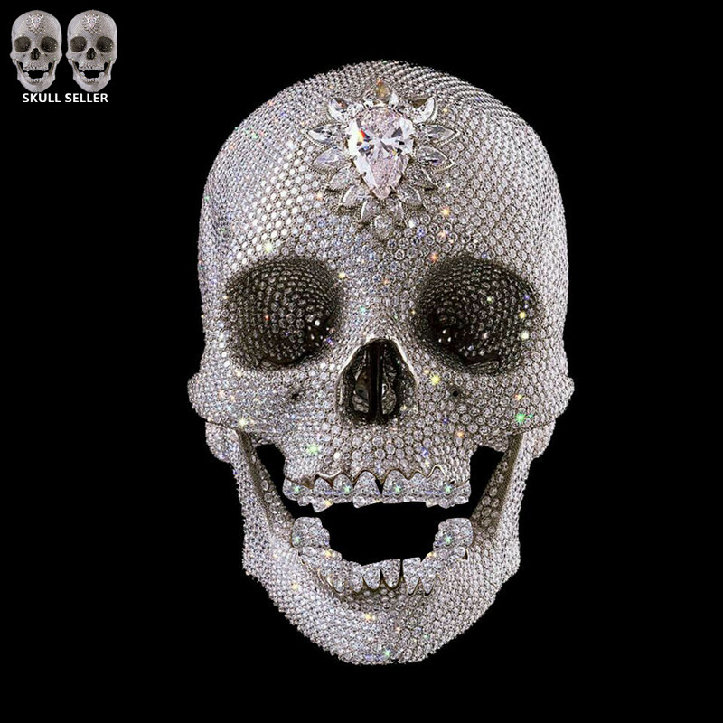 P-Flame New 1:1 Human Skull Diamond Terror Ghost Cranium Skull Heads Cross Bones Ancient Customize Crystal Skull For Collection(China (Mainland))