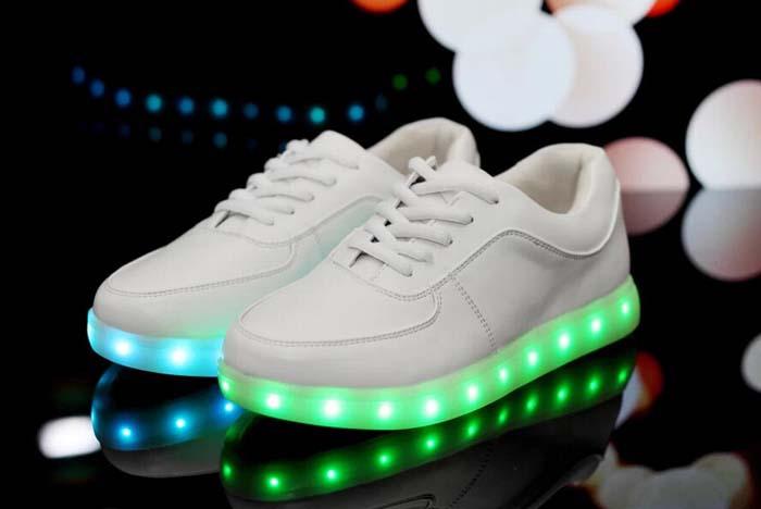 chaussure led femme adidas