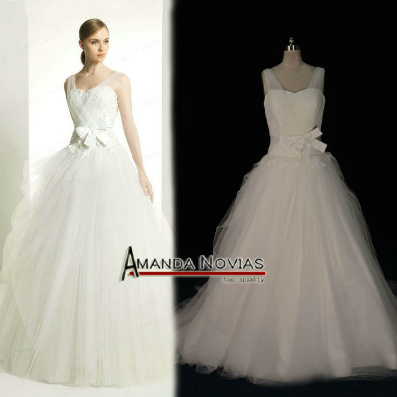 Amazing straps ball gown no train tulle overlay wedding for Wedding dresses no train