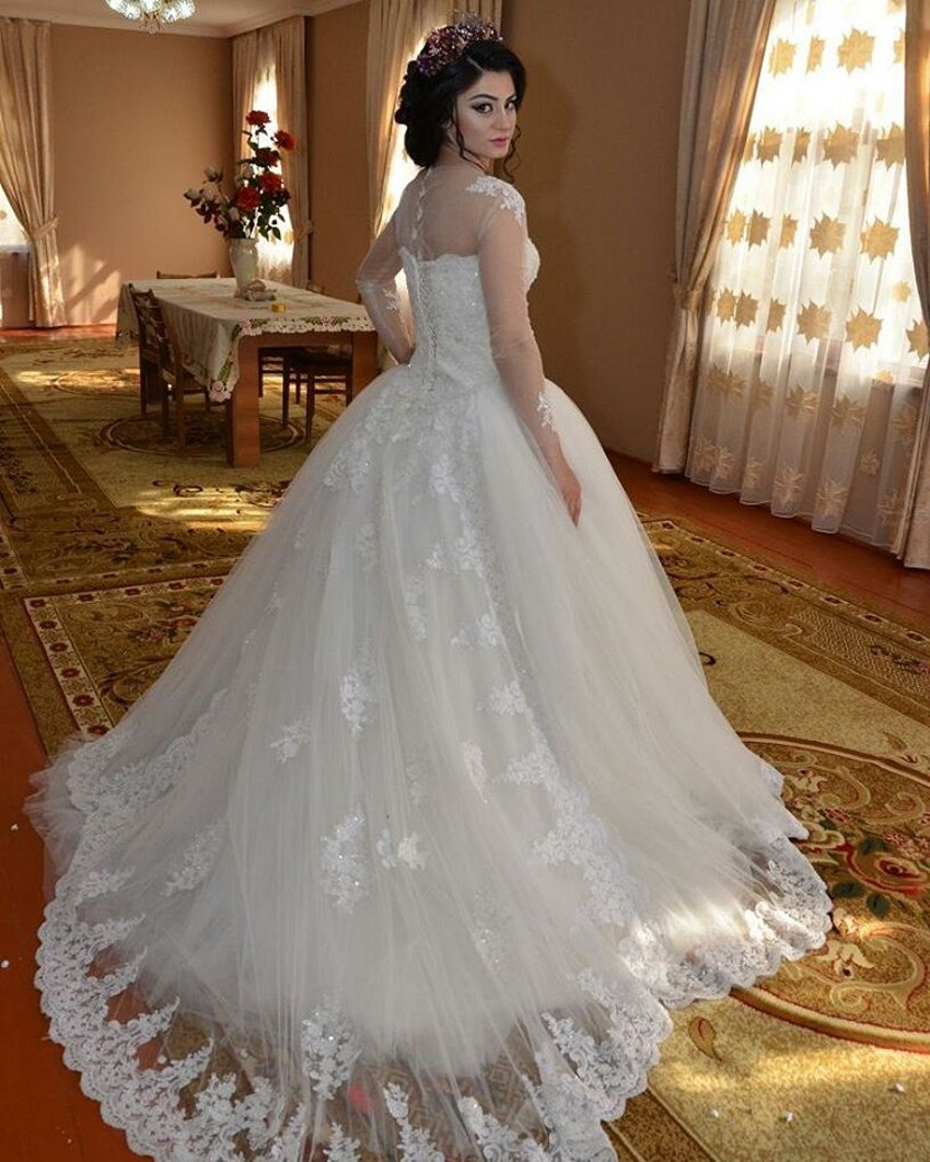 Elegant long sleeve puffy dress ball gown wedding dress for Elegant ball gown wedding dresses