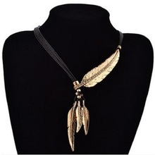 Women Necklace Alloy Feather Statement Necklaces Pendants Vintage Jewelry Rope Chain Necklace Women Accessories for Gift(China (Mainland))