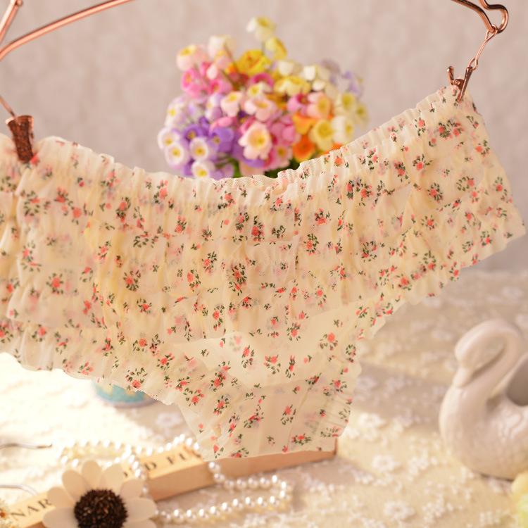2014 Hot Brand New Lovely Girl Sexy Dot Calcinha Female Underwear Women Lace Ruffles Women s