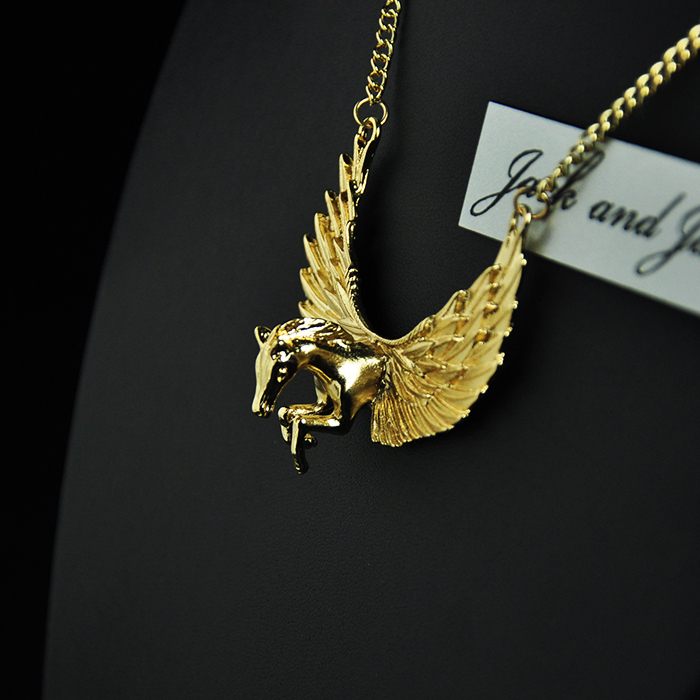f 21 Angel wings necklace 2015 forever mujer de moda Punk Style Rihanna Party Metal Flying Horse Pegasus Cool necklaces Jewelry(China (Mainland))