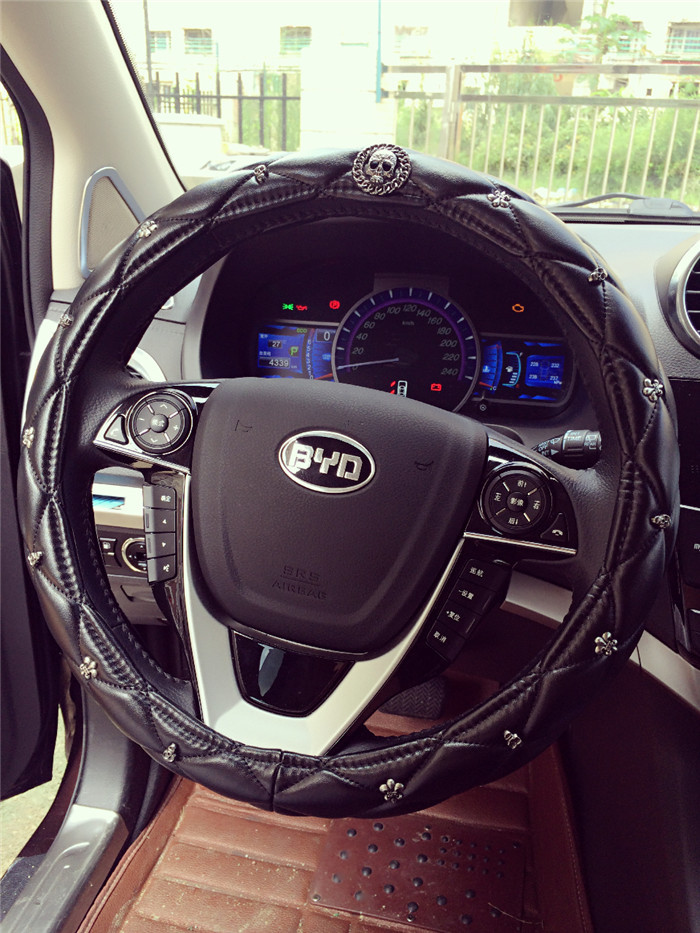 Skeleton Car Steering Wheel Cover For Men High Quality Lambskin Fashion Auto Steeing Wheel Covers Case Soft Steering Wheel Hub(China (Mainland))