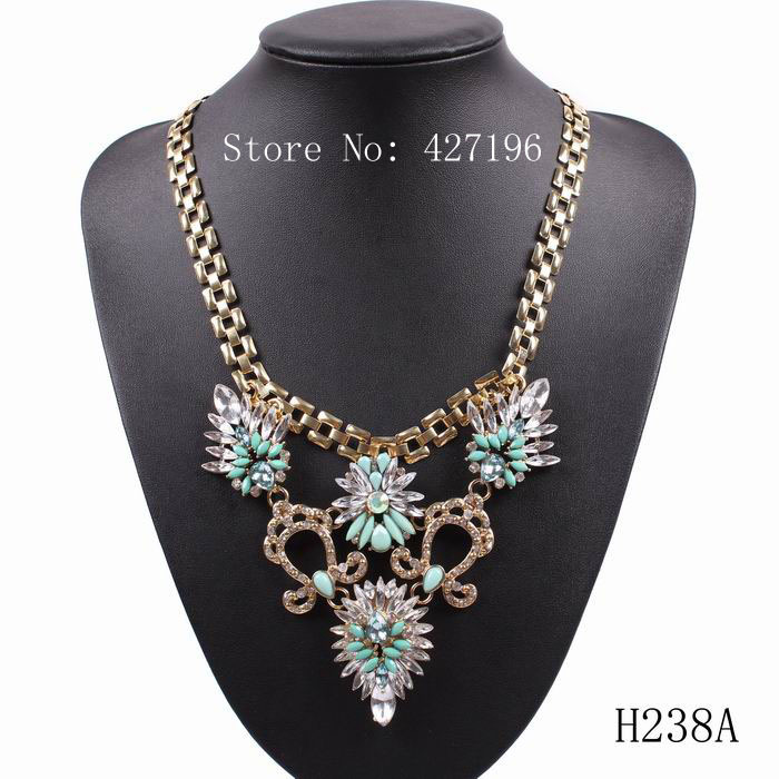 2016 New Luxury retro Gold Chain Chunky Crystal Flowers Necklace & Pendant Necklace for Women Big Brand Necklace Free Shipping(China (Mainland))