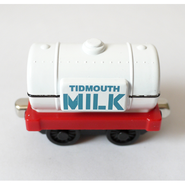 D930 Diecast Metal magnetic Thomas and friends The Tank Engine take along train metal children kids Magnetic toy milk tank truck(China (Mainland))