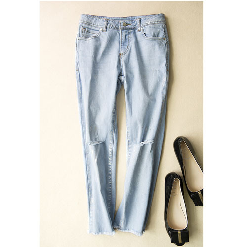 Jeans Women Knee Ripped Jeans Cotton Denim Capris Light Blue Pants Loose Straight Ripped Trousers Boyfriend Jeans for Women(China (Mainland))