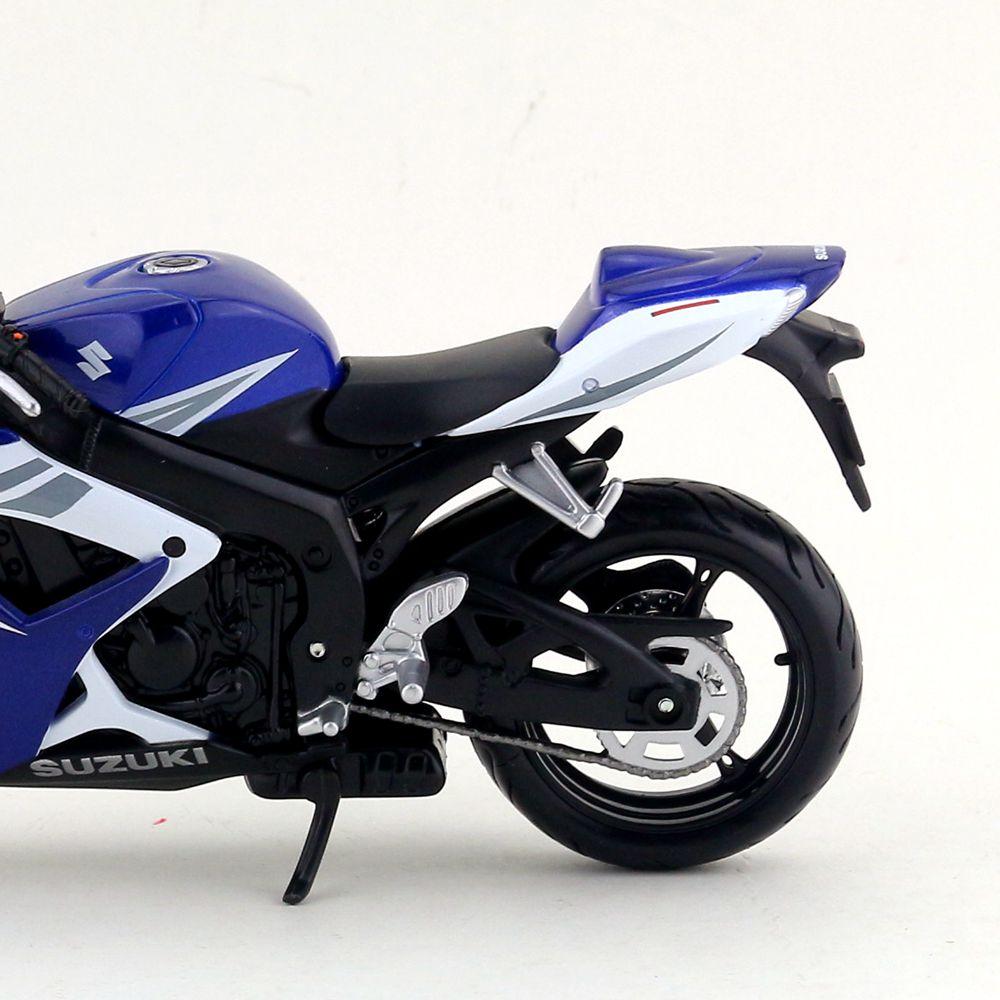Suzuki GSX-R750 (6)