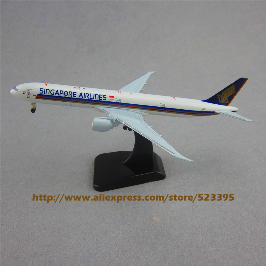 19cm Airplane Model Air Singapore Airlines B777 300ER Boeing 777 Airways Plane Model W Stand Wheels Landing Gear Aircraft Toy(China (Mainland))