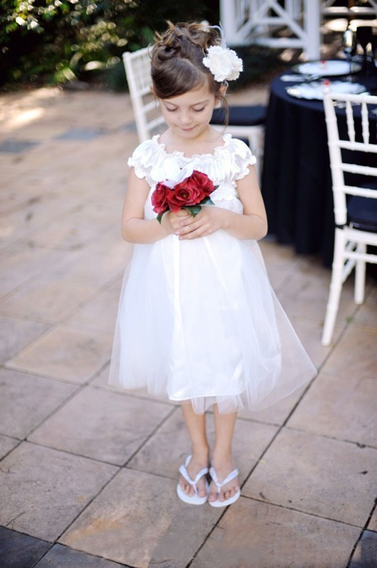 Short sleeve little princess birthday party celebrite for Cheap wedding reception dresses for bride