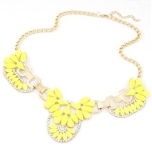 Wedding Colorful Flower Pendant Gold Plated Chain Women Jewelry Alloy Rhinestone Necklace Free Shipping(China (Mainland))