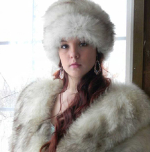 Hot sale European style Winter Warm Natural Fox Fur Hats and caps , Luxury White fox Fur Hats For women Christmas
