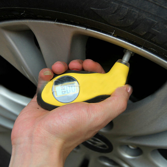 Car Truck Auto Vehicle Tyre Tire Air Pressure Gauge 150PSI LCD Digital Tester(China (Mainland))