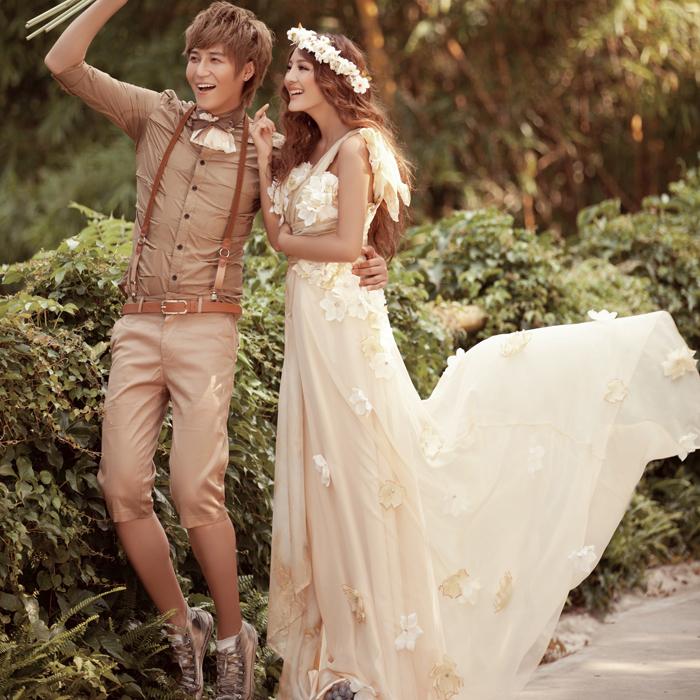 Невесты в платье шампань