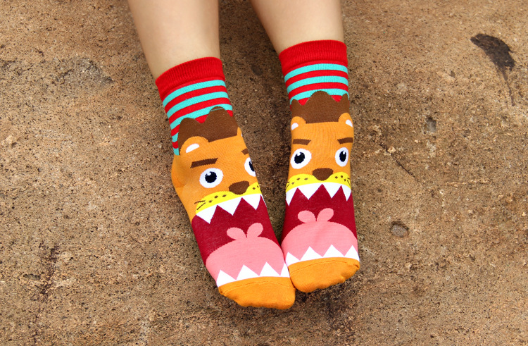 2016 hot sale candy color cartoon animal big mouth Cute socks women's striped colorful high top breathable cotton crew socks(China (Mainland))