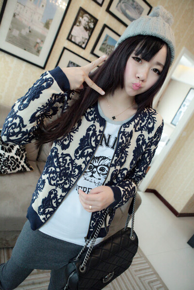 2014 autumn and winter women's knit cardigan explosion models / vintage blue and white embroidered flowers Zip sweater jacket(China (Mainland))