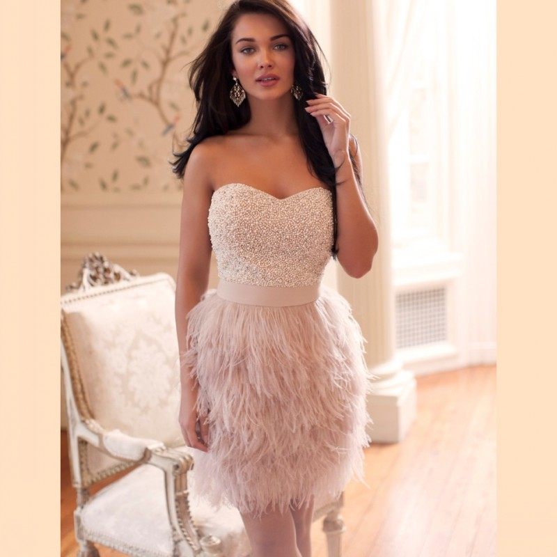 2016 new Luxury Sweetheart Feathers Skirt Cocktail Dresses Mini Vestidos Curtos Para Festa Beading Pearls Bodice Short Prom Dre(China (Mainland))