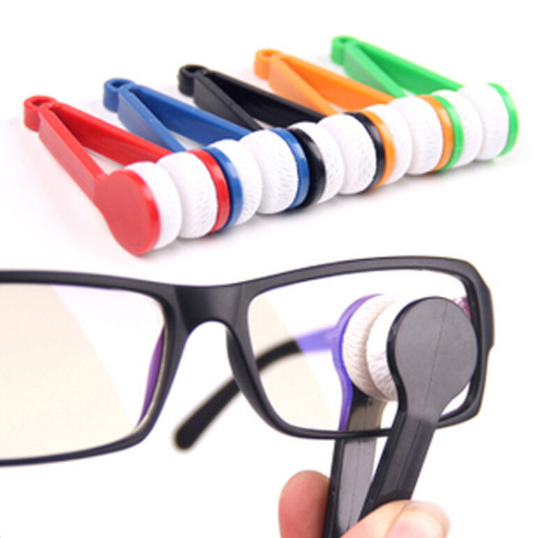 Free Shipping 1 PC Portable Handle Eyeglass Sun Glasses Microfiber Spectacles New Cleaner Clean Wipe(China (Mainland))