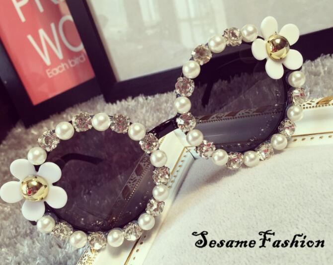 2016 Round Oversized Sunglass Brand design Luxury Women Jewelry Diamond Sun glasses Flower Vintage Shades oculos de sol(China (Mainland))