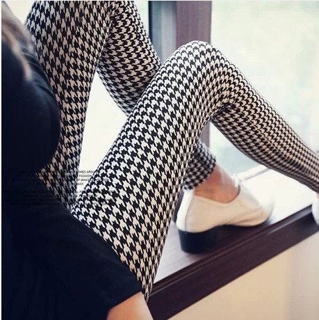 New Korean female Houndstooth chequered trousers pants female British thin elastic feet Leggings(China (Mainland))