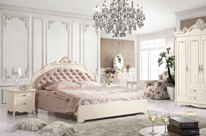 Elegant Luxurious King Size Royal Furniture Italian Bedroom Sets Py 6002 In Beds From Furniture