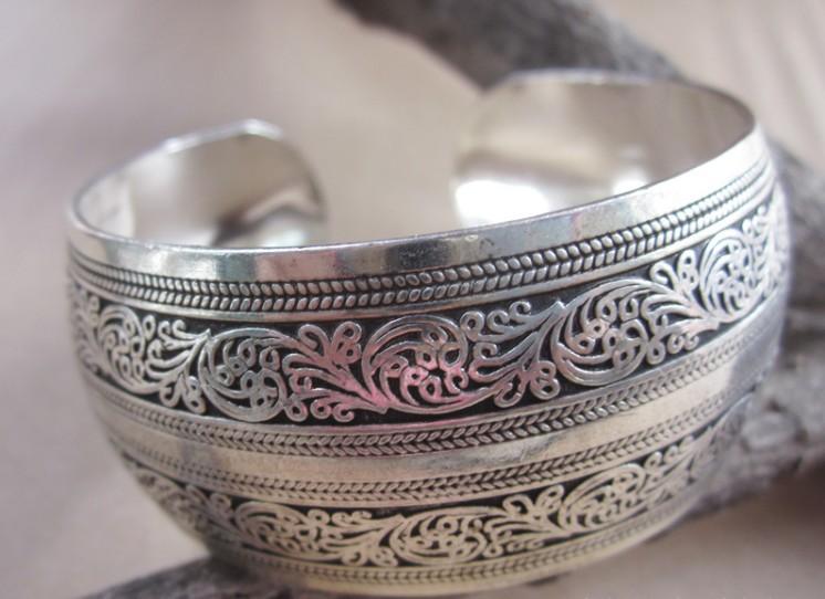 BR095 European Carved Style Metal Tibetan Silver Color vintage retro Fashion Cuff Bracelet Bangle - Mistery co.,ltd store